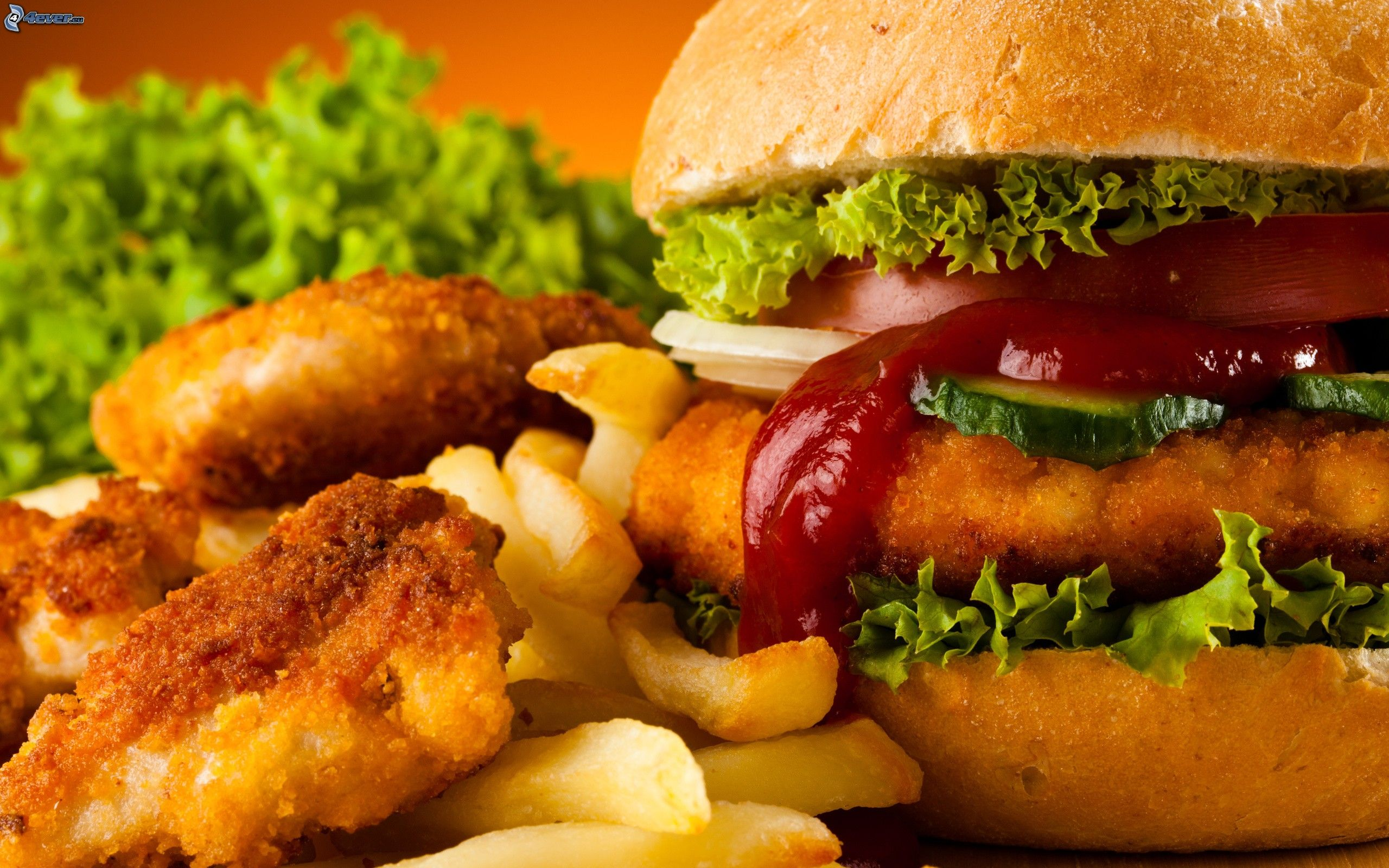 Hamburger avec des frites Smarties Logo