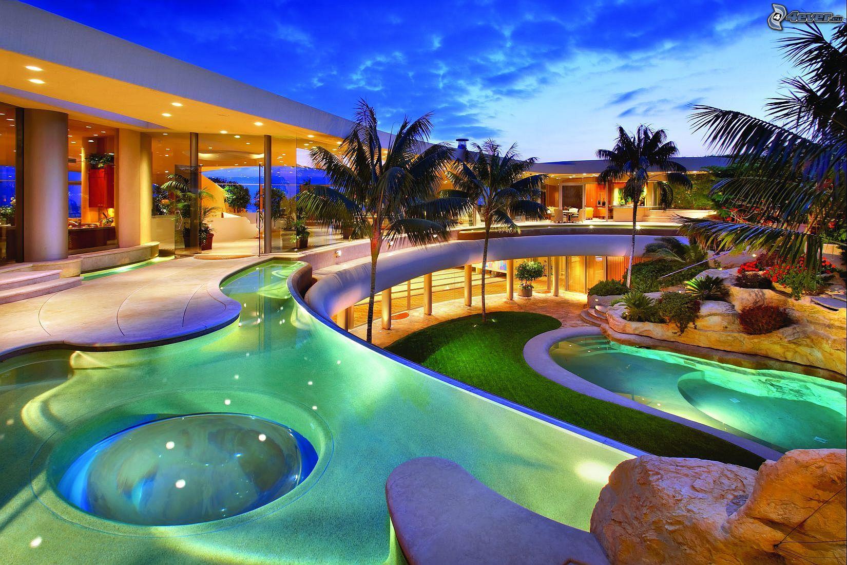Maison de luxe for Piscine luxe